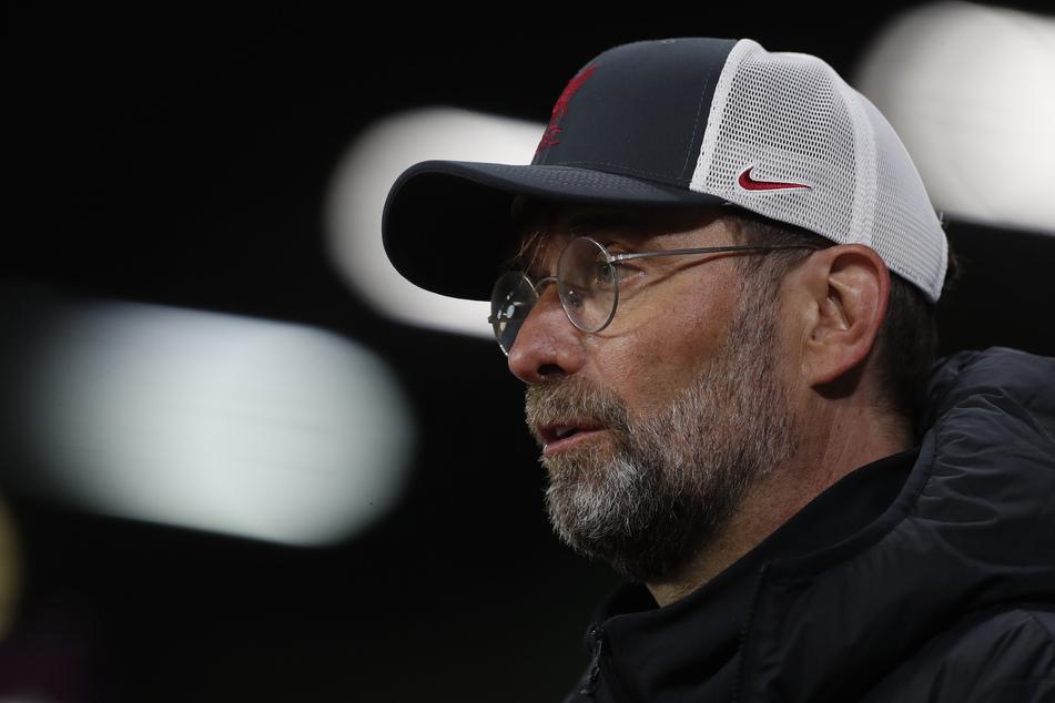 Liverpool-Trainer Jürgen Klopp (53) steckt inmitten einer schweren Zerreißprobe für den Fußball.