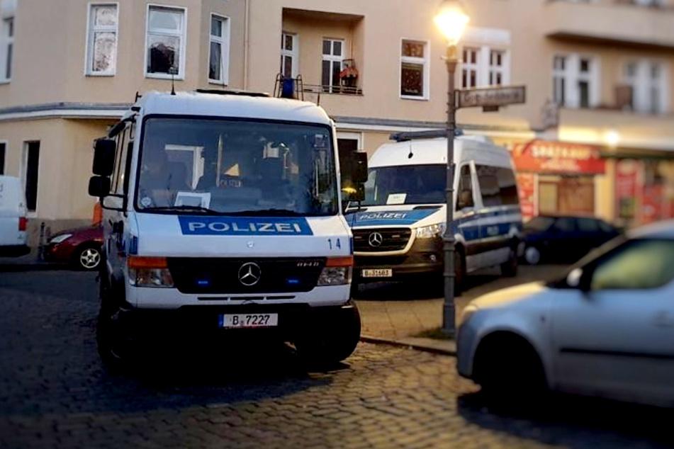 Die Berliner Polizei hat am Dienstagmorgen 14 Objekte durchsucht.