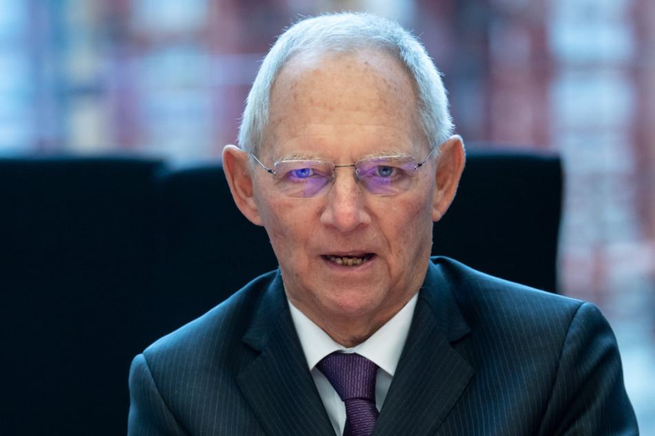 Bundestagspräsident Wolfgang Schäuble (77, CDU) empfiehlt dringend das Tragen von Masken im Deutschen Bundestag ab dem 1. September.