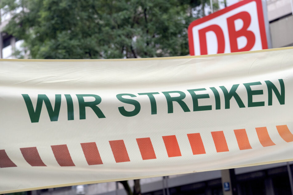 Rund ein Viertel der Züge sollen trotz Streik fahren. Pendler müssen sich auf Verzögerungen einstellen. (Symbolbild)
