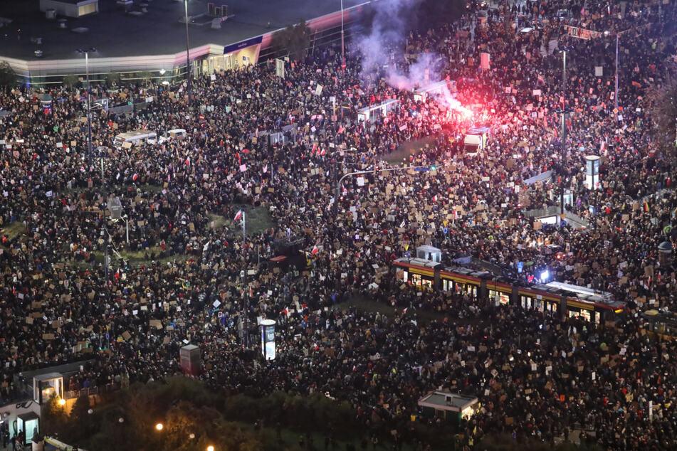 Polen will Abtreibungen verbieten: Erneut Proteste in Warschau