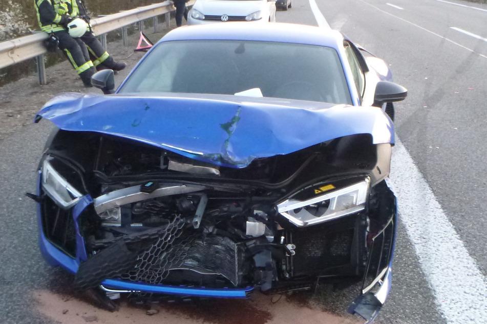 Mann und Frau liefern sich mit Sportwagen Autorennen auf A63: Vier Verletzte!