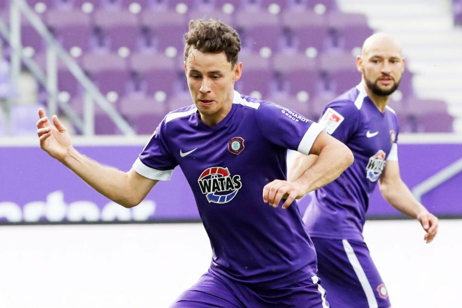 Clemens Fandrich bei der 1:2-Niederlage gegen den VfL Bochum am Ball. Heute gegen Hannover 96 hofft der Auer auf ein besseres Ergebnis.