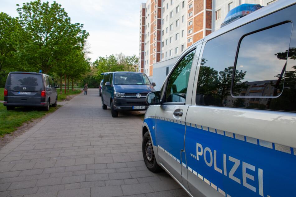Leiche in Plattenbau gefunden: Verdächtiger lässt Ermittler rätseln