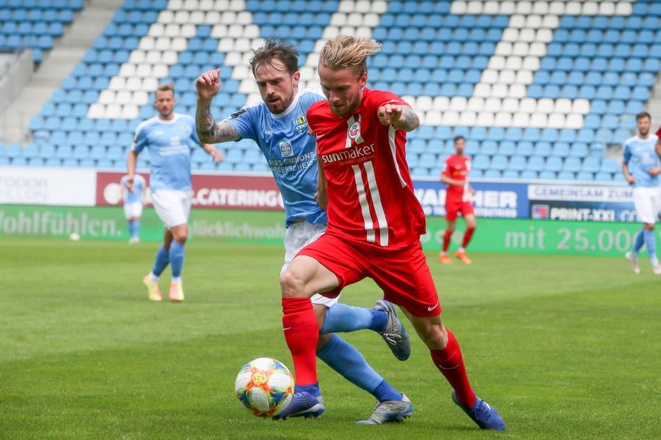 Nils Butzen (28, am Ball) könnte von Hansa Rostock kommen.