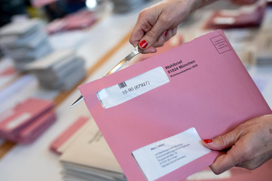Nach massiven Problemen bei der Auszählung müssen die Bürger in Bayern weiter auf ein endgültiges Ergebnis der Kommunalwahl warten.