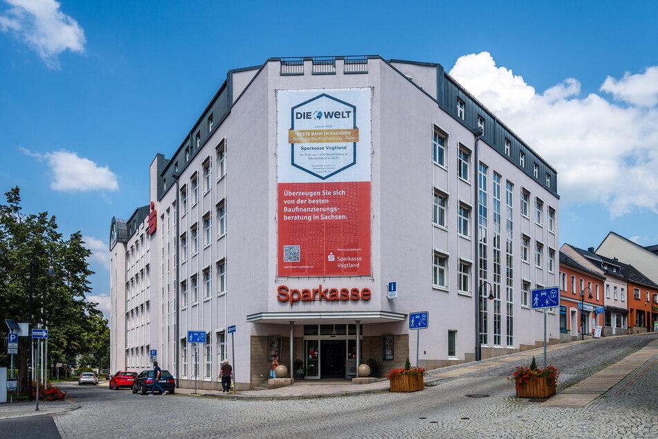 Die Sparkasse Auerbach warnt vor Online-Banking-Betrügern.