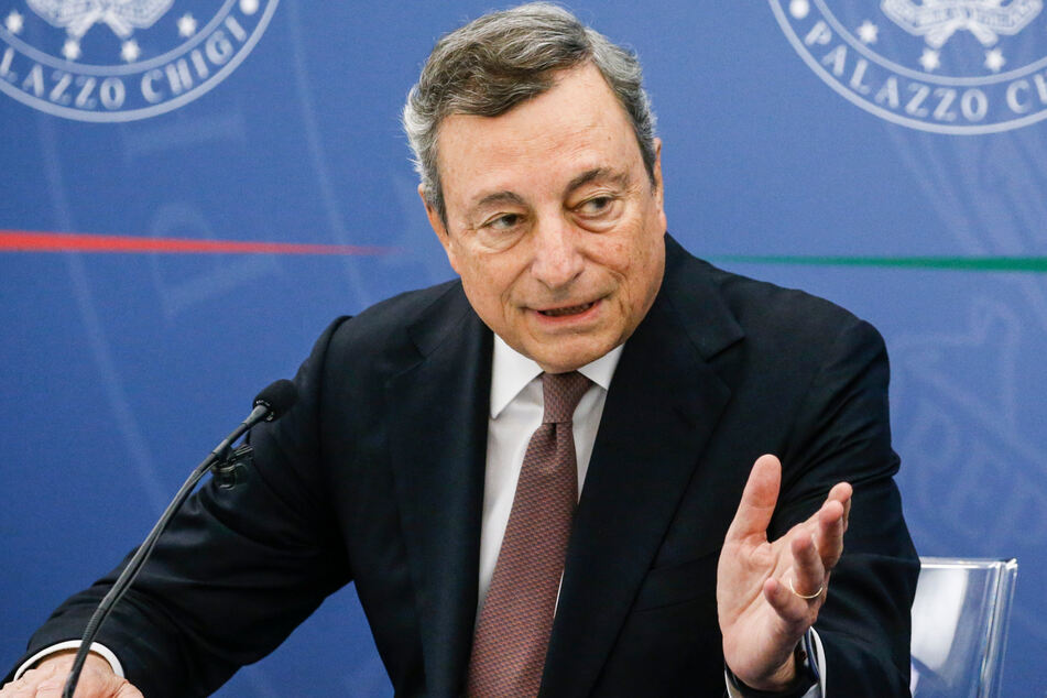 Italiens Ministerpräsident Mario Draghi (74).