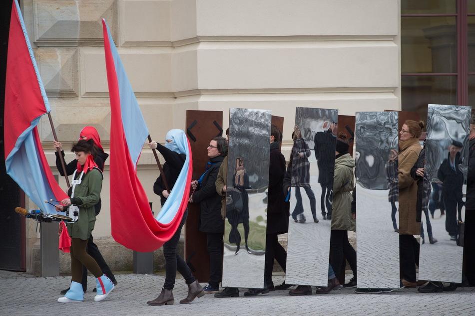 Ein Spiegelmarsch - ähnlich wie hier in Dresden 2017 - findet kommende Woche auf dem Sonnenberg statt.