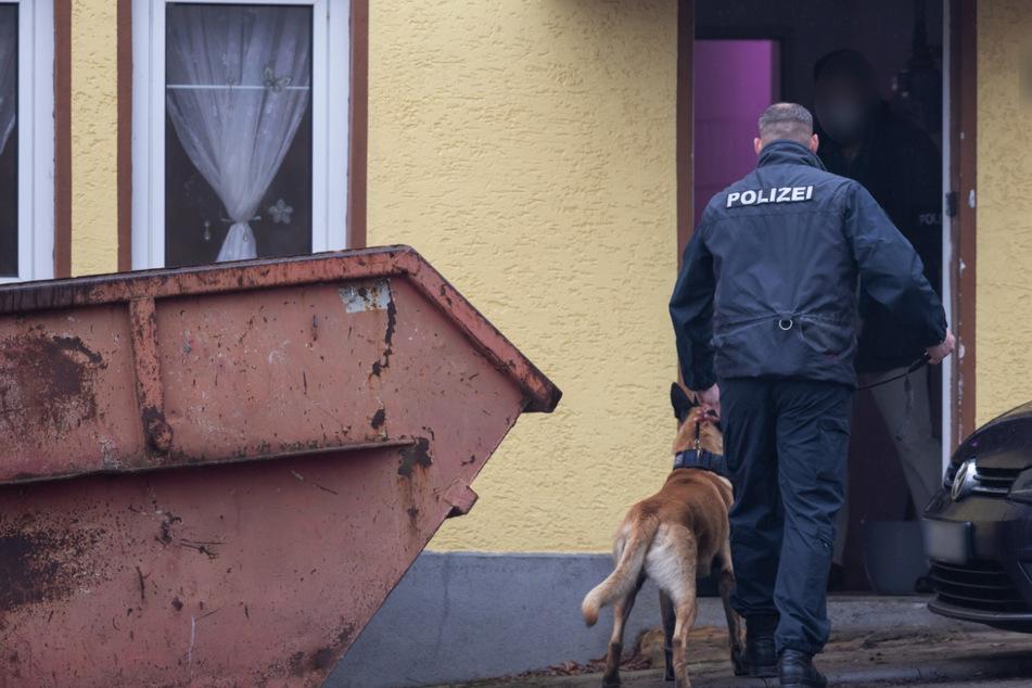 Mega-Razzia mit 500 Beamten: LKA hebt kriminelles Nazi-Netzwerk in Thüringen aus!