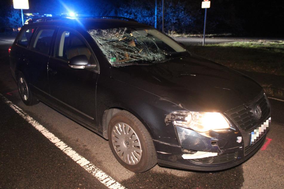 Der Fahrer des VW konnte nicht mehr rechtzeitig ausweichen und erfasste den Radfahrer.