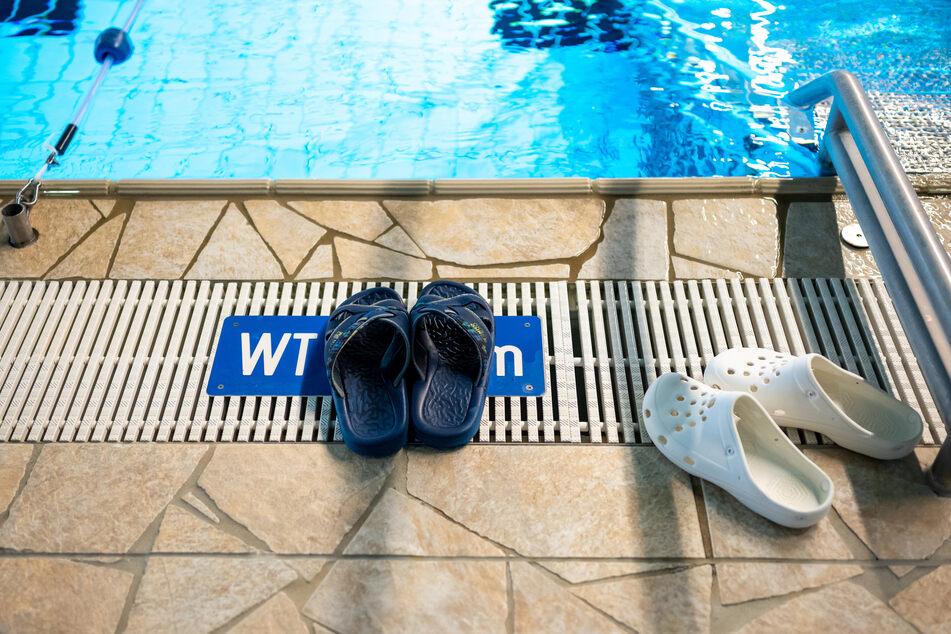 Hallen- und Spaßbäder dürfen bei einer stabilen Ansteckungsquote unter 50 öffnen.