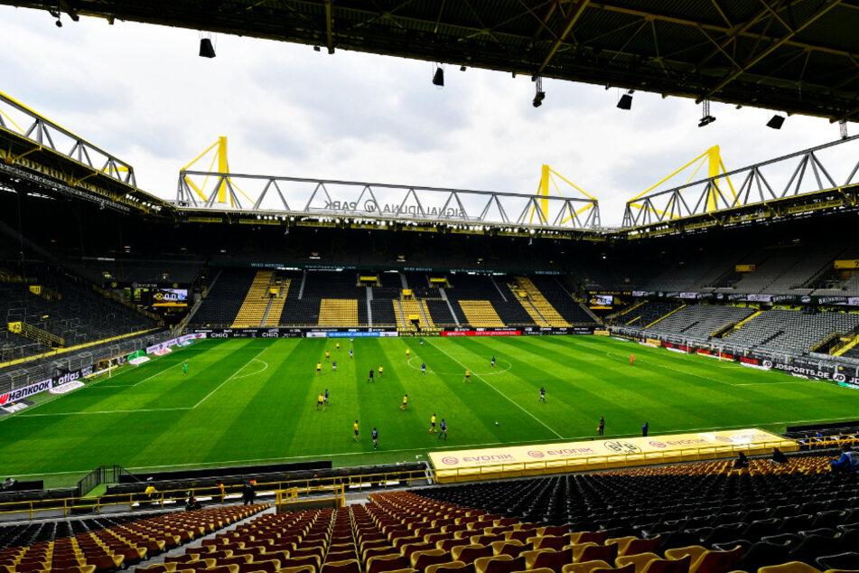 Borussia Dortmund setzt bei seinen neuen Heimtrikots offenbar auf ein auffälliges Strom-Design.