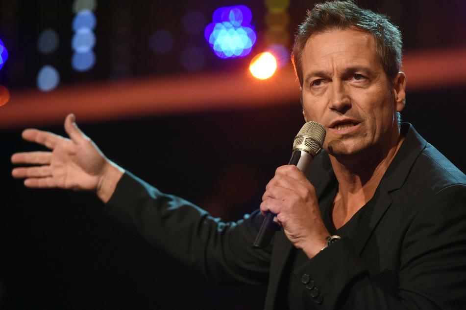 Dieter Nuhr ist seit 1994 auf Bühnen unterwegs.