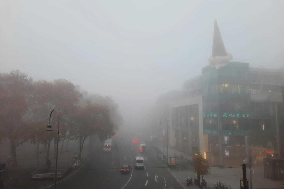 Wetter ohne Weitblick: Dichter Nebel überrascht Köln