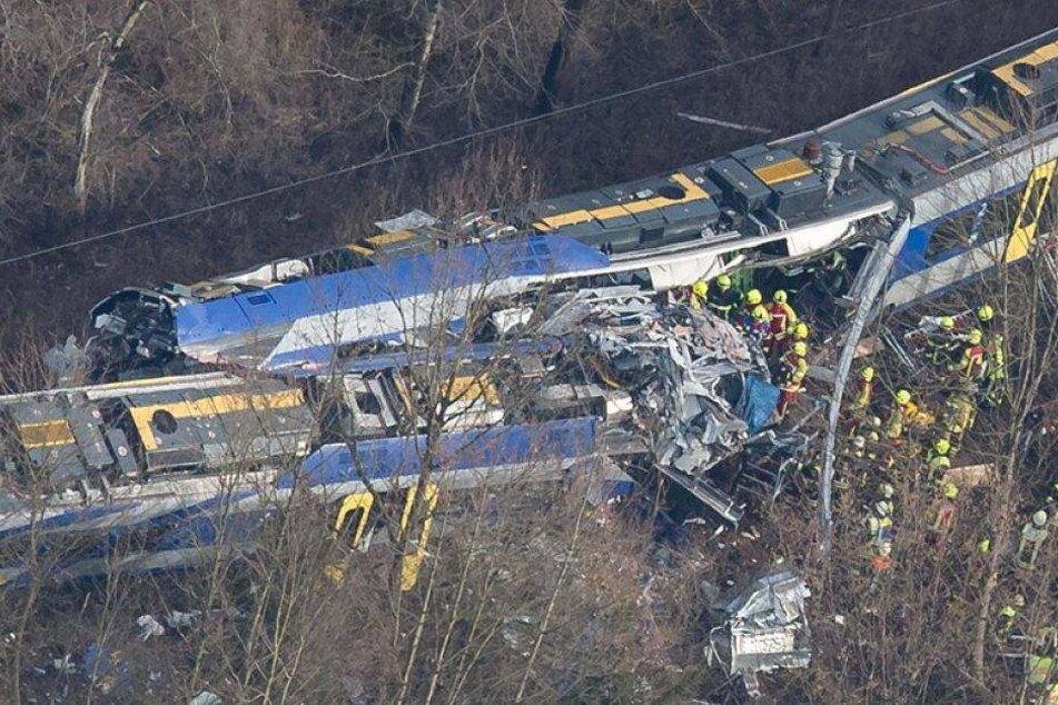 Mittlerweile 10 Tote bei Zugunglück in Bayern