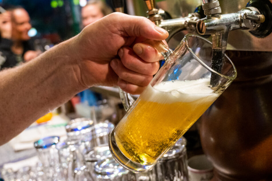 Bier-Konsum dramatisch eingebrochen: Brauereien schlagen Alarm