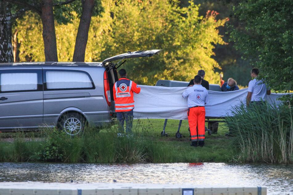 Ein Mann und seine vierjährige Tochter sind im Badesee ums Leben gekommen.