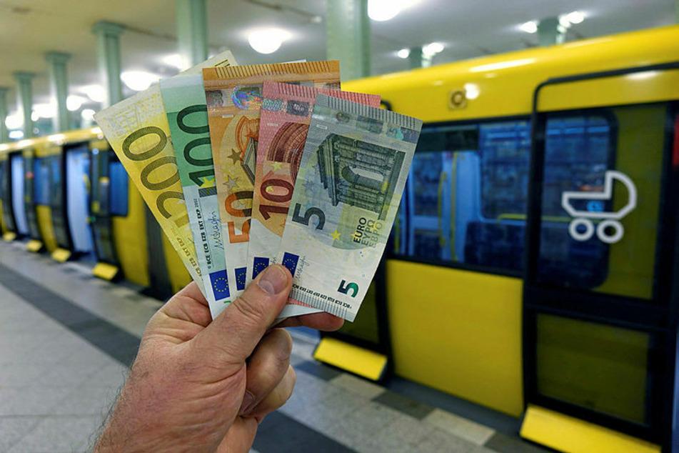 365 Euro - so viel sollte ab 2021 ein Jahresticket in Leipzig kosten. Das Projekt liegt jetzt auf Eis.