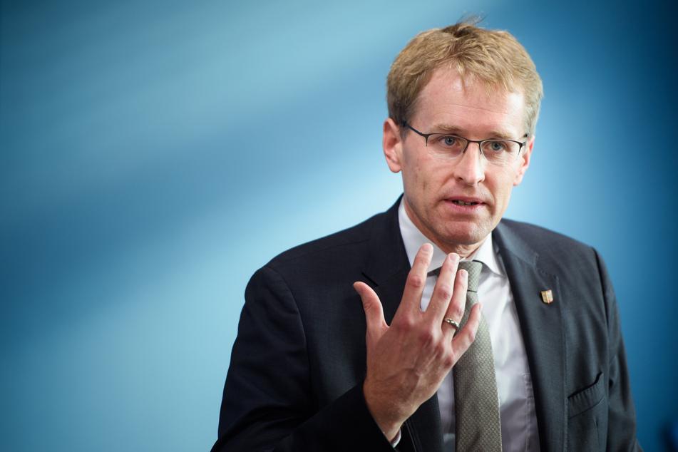 Schleswig-Holsteins Ministerpräsident Daniel Günther hat den Ernst der Corona-Lage betont. (Archivfoto)