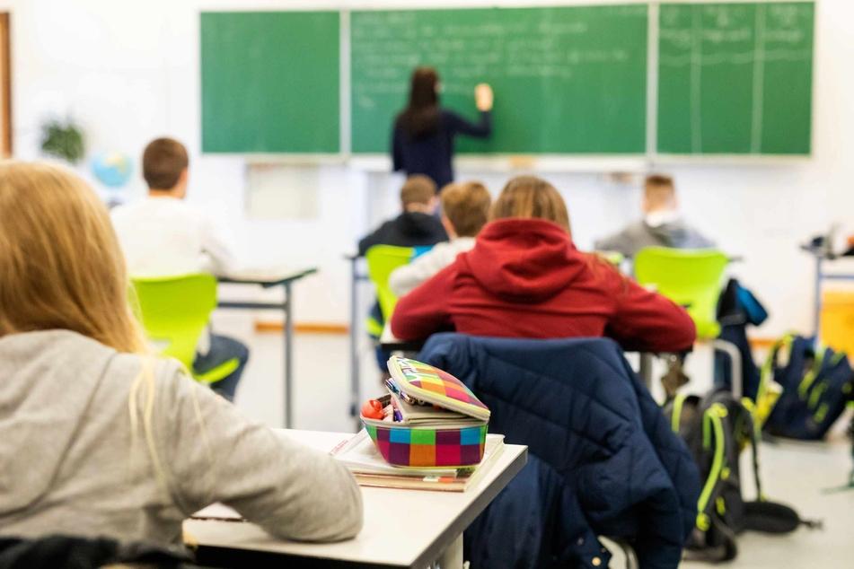 Schüler dürfen wieder regulär in die Schule gehen.