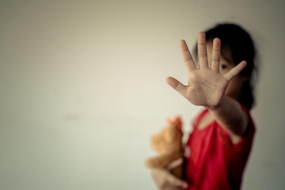Der Täter soll über 300 Mädchen vergewaltigt haben (Symbolbild).
