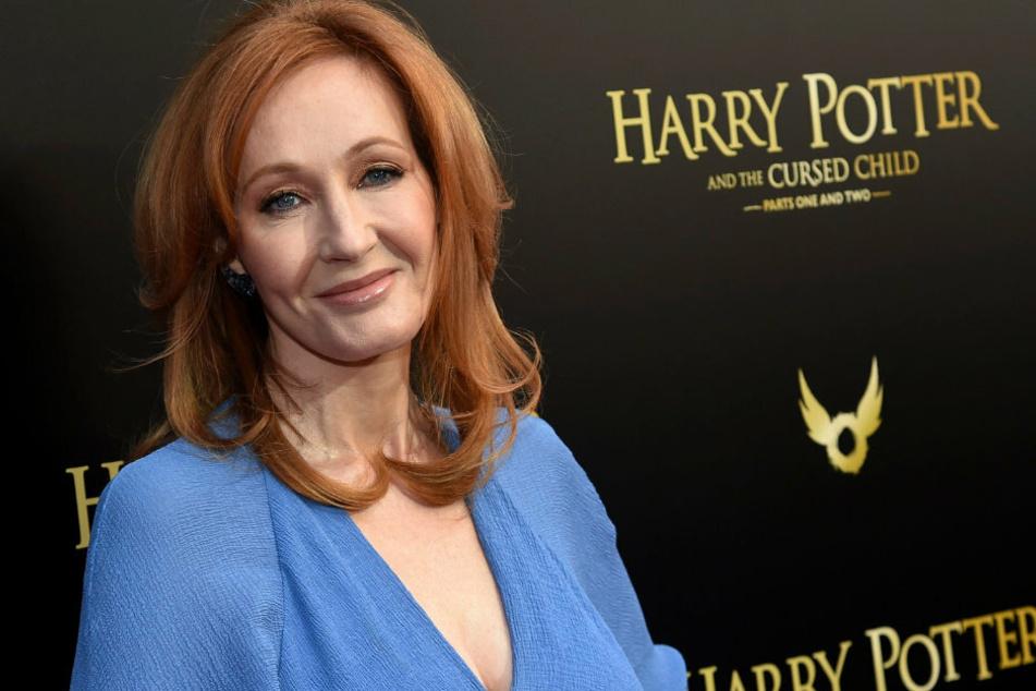 """Mit ihren """"Harry Potter""""-Werken feierte sie weltweite Erfolge. Auch heute ist sie noch als Schriftstellerin erfolgreich."""