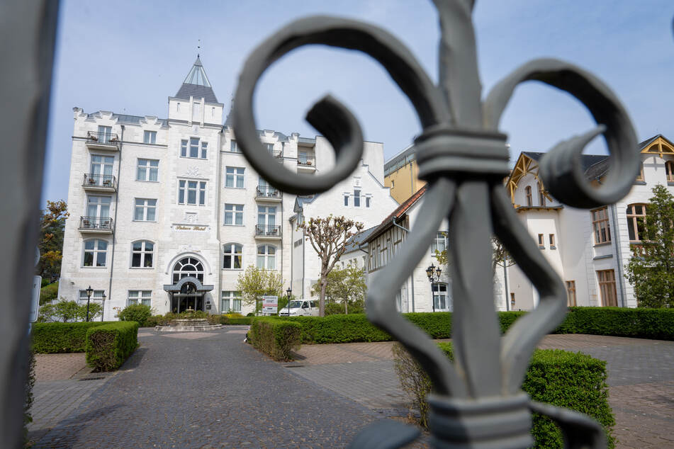 Das Fünf-Sterne-Hotel Palace Hotel im Seebad Zinnowitz auf der Ostseeinsel Usedom. Der Hotel- und Gaststättenverband (Dehoga) dringt auf einen konkreten Zeitplan für die Öffnung von Gaststätten und Beherbergungsbetrieben, um mehr Planungssicherheit zu erhalten.