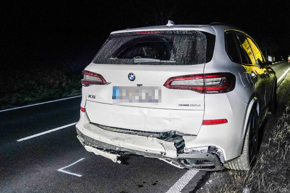 Betrunkener Autofahrer flieht vor Polizei und baut Unfall