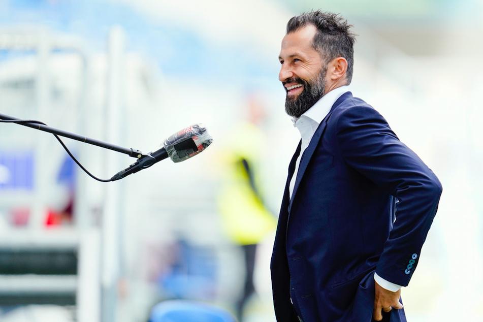 Bayerns Sportvorstand Hasan Salihamidzic (43) ist zufrieden mit den Einkäufen des Vereins.