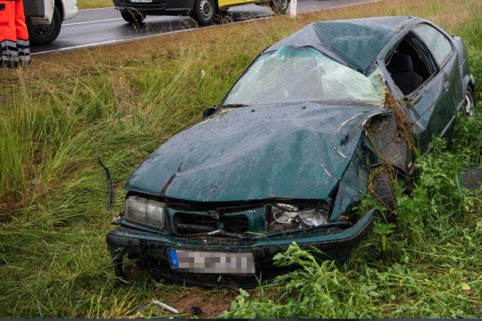 Unfall bei Mittweida: Auto kommt von Straße ab und überschlägt sich