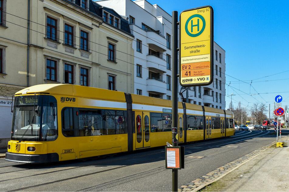 An dieser Dresdner Haltestelle kam es zur wilden Keilerei.
