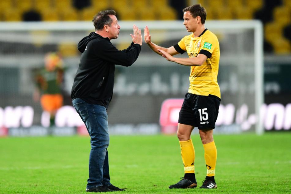 Mit Chris Löwe (r.) will Markus Kauczinski das Gespräch suchen, würde sich freuen, wenn der 31-Jährige seine Laufbahn fortsetzen würde.