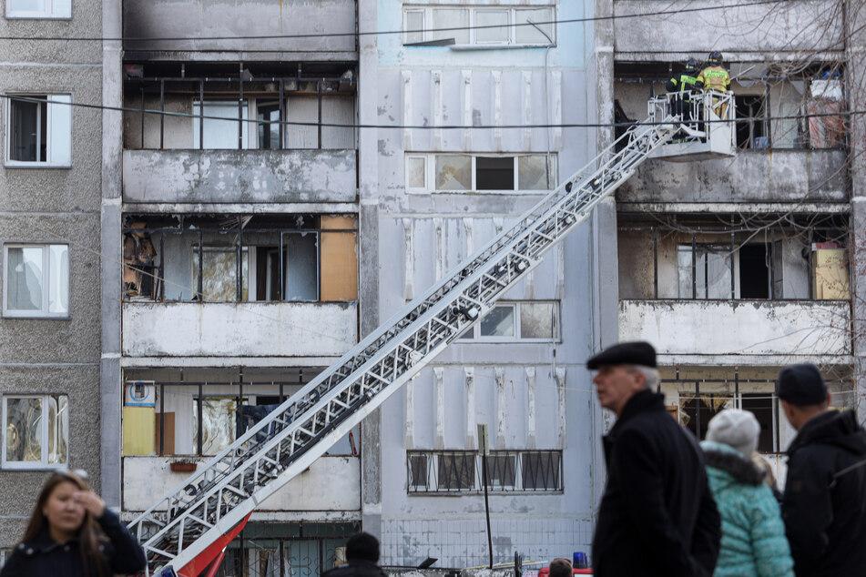 Ein Wohnblock wurde bei einer Explosion von Sauerstoffflaschen in einem Krankenhaus der Südural-Staatsuniversität beschädigt.