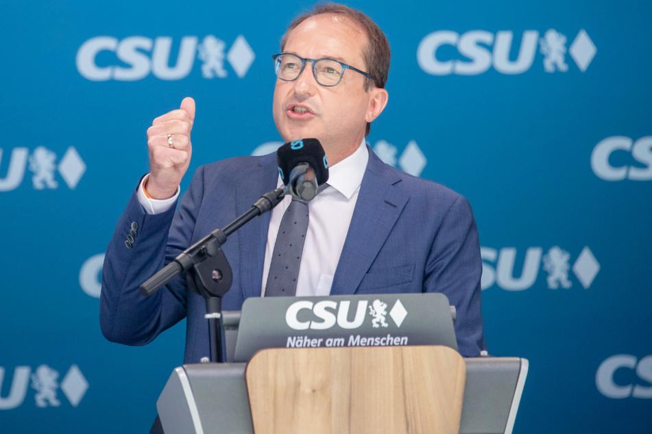 Alexander Dobrindt (51) führt die Liste der CSU an.