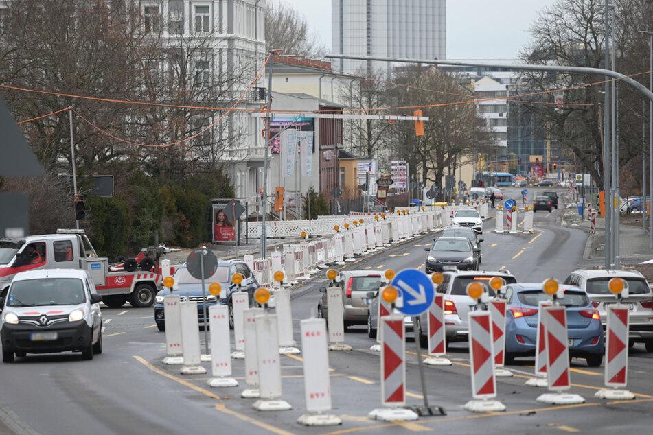 Dauerbaustelle Zschopauer Straße: Ab Dienstag wird die landwärtige Fahrbahn voll gesperrt.