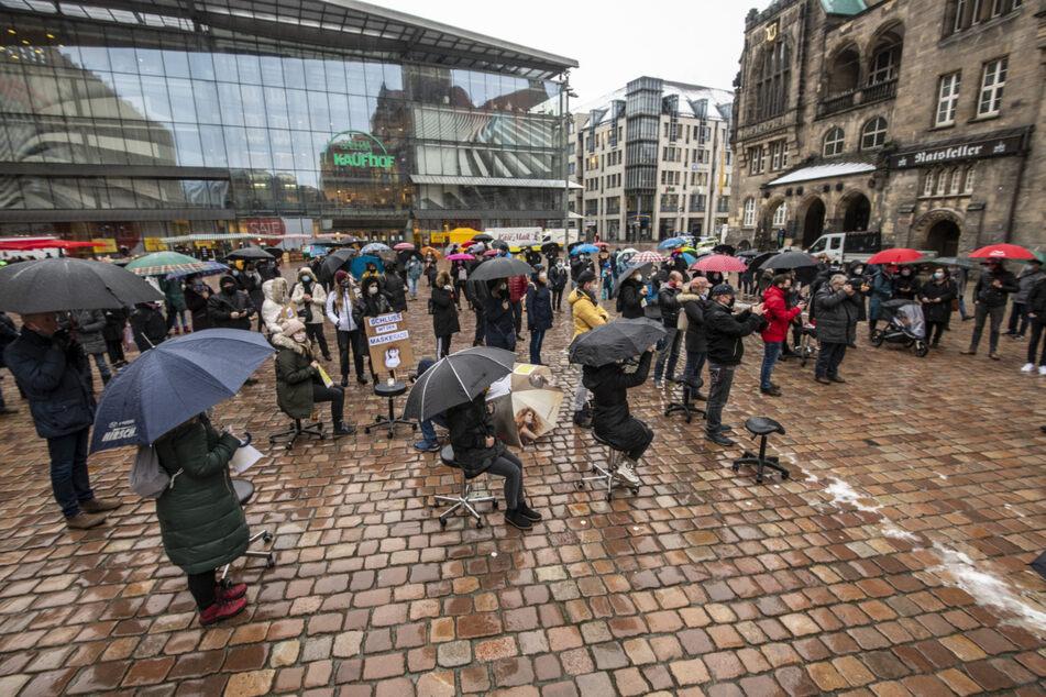 """Bereits im Januar fand ein Protest der """"Körpernahen"""" statt. Damals auf dem Neumarkt."""