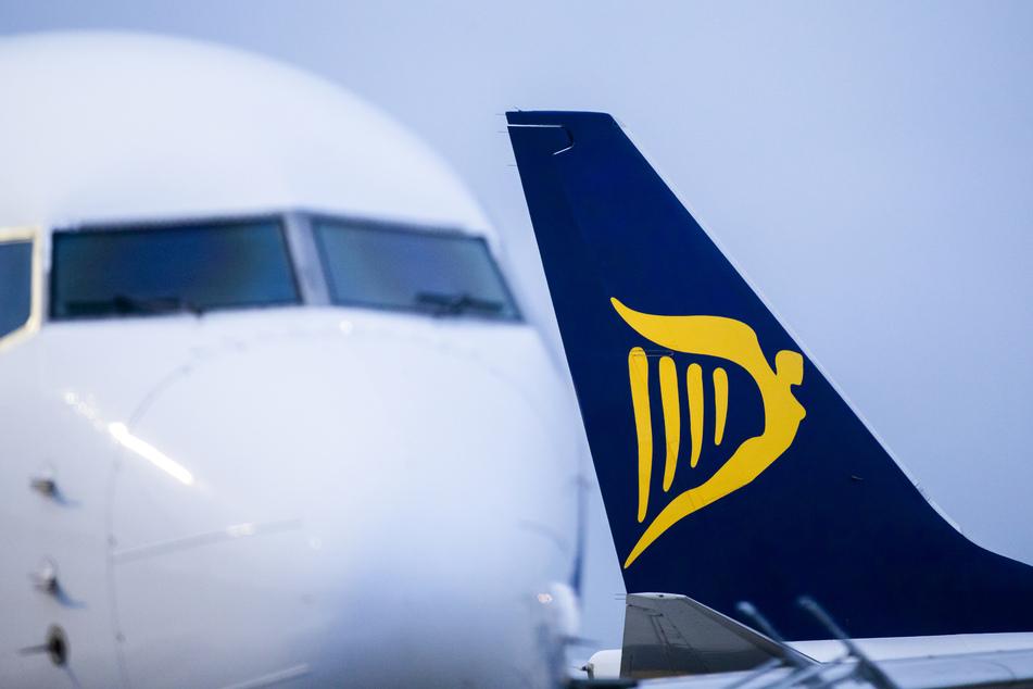 Flugzeuge der irischen Airline Ryanair stehen auf dem Vorfeld des Flughafens Weeze. Europas größter Billigflieger Ryanair zieht wegen der Lufthansa-Staatshilfen vor das Gericht der Europäischen Union.