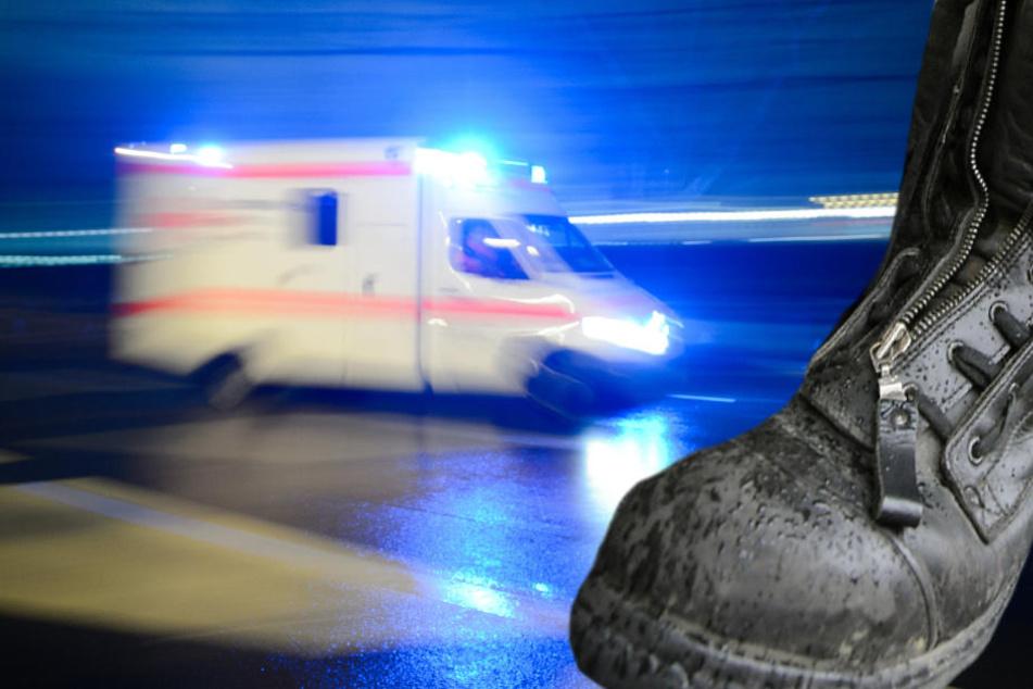 Nach der Attacke musste der junge Mann in eine Klinik eingeliefert werden (Symbolbild).