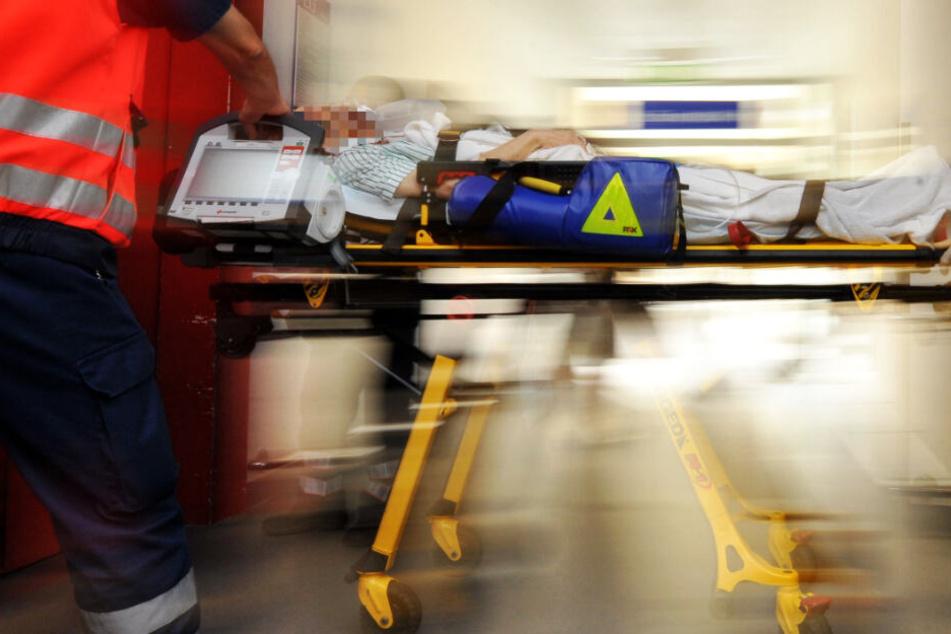 Der 71-Jährige wurde in eine Spezialklinik gebracht (Symbolbild).