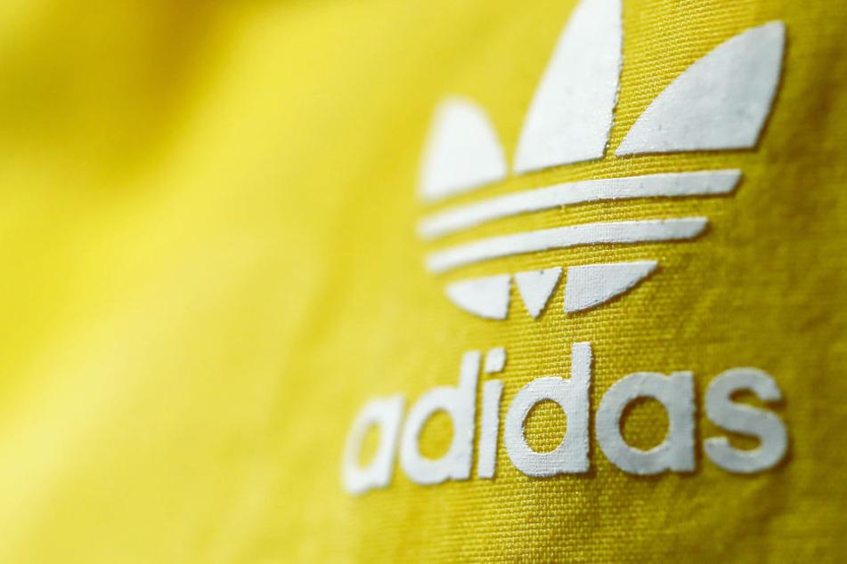 Der Sportartikelhersteller Adidas legt die Zahlen für das dritte Quartal vor. (Symbolbild)