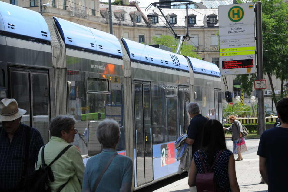 Die Tram-Fahrer sollen am Dienstag ihrer Arbeit niederlegen.