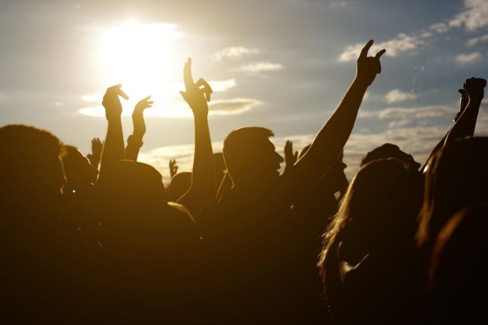 Hoch die Hände: Tanzt am Samstag in OWL für Toleranz oder beim Honky Tonk