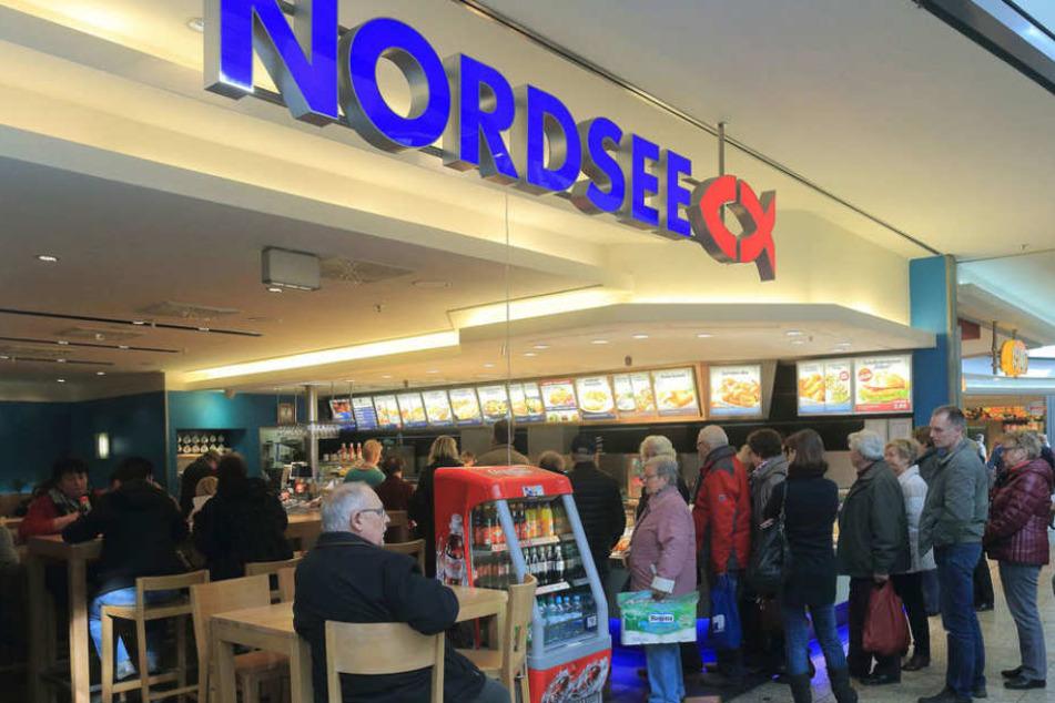 Ekelskandal bei Nordsee! Sieben Zentimeter langer Wurm im Essen