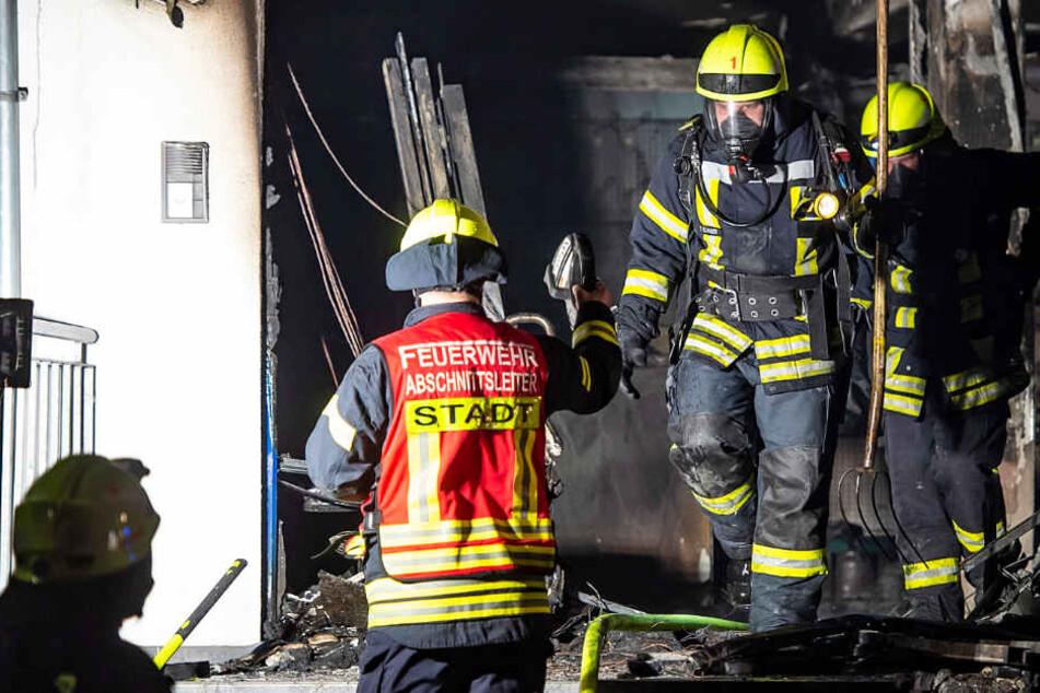 Zahlreiche Einsatzkräfte der Feuerwehr bekämpften den Brand.