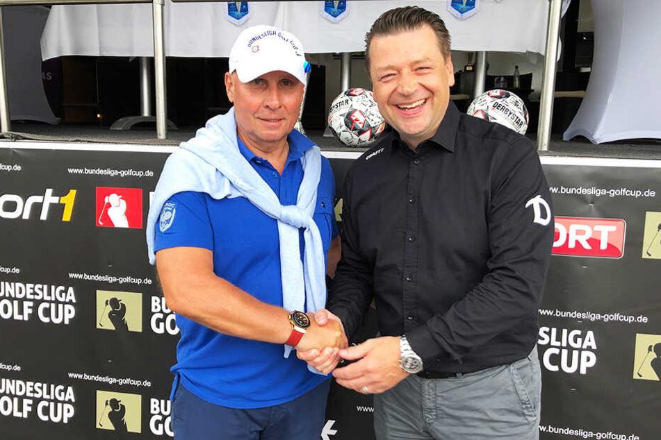Verstehen sich super: Dynamo-Präsident Holger Scholze (r.) und Aues Präsident Helge Leonhardt am Wochenende beim 1. Bundesligacup im erzgebirgischen Bad Schlema.