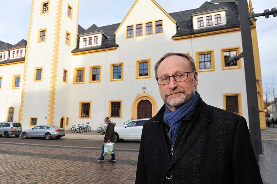 """Freibergs Baubürgermeister Holger Reuter (62, CDU) spricht von einer """"oberflächlichen"""" Petition. Alle Richtlinien seien bei der Planung berücksichtigt worden. Der Stadtrat hat aus vier Entwürfen einen ausgewählt."""