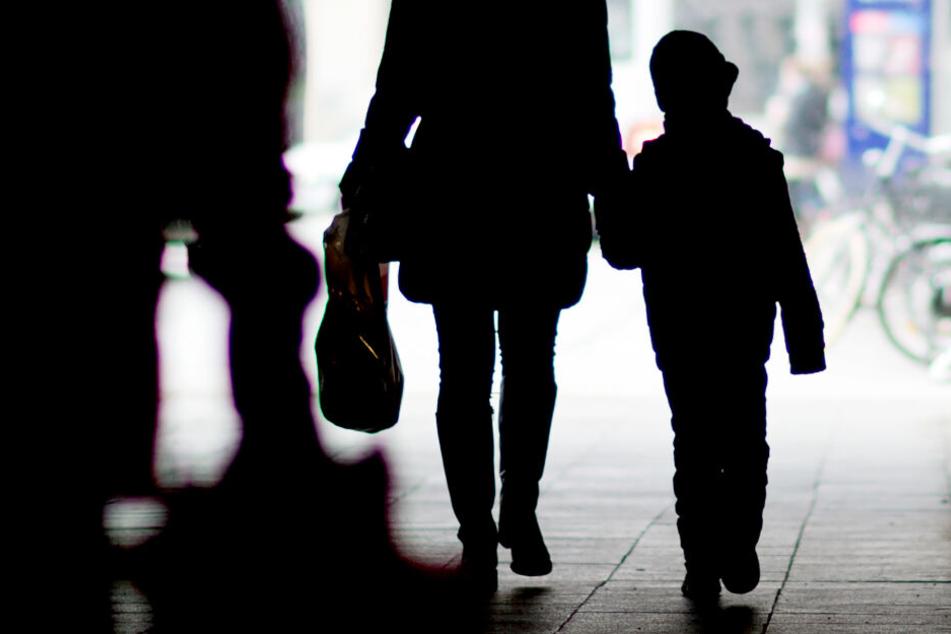 Kind wird Mutter entrissen: Gericht schickt deutsche Malena (5) nach Hongkong