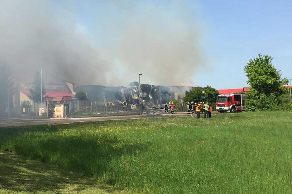 Zum Zeitpunkt des Brandausbruches herrschte in der Firma kein Betrieb.