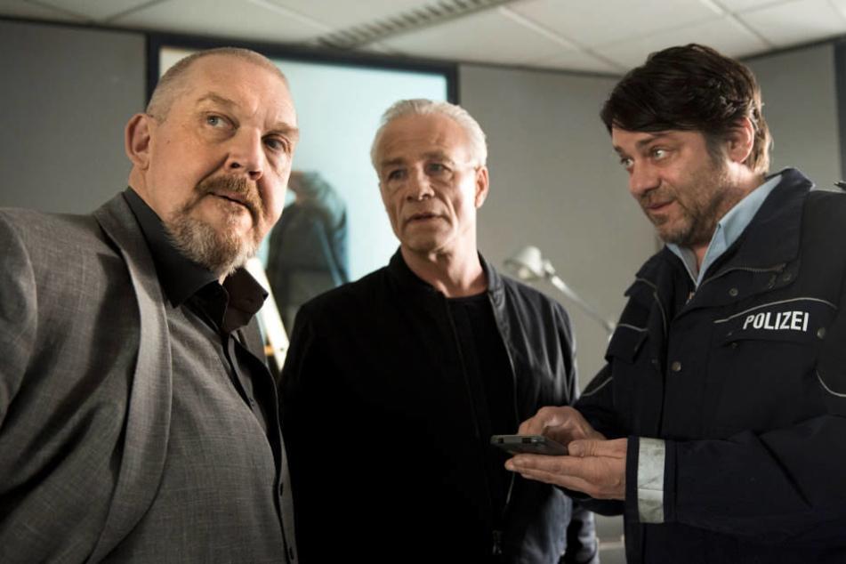 Können Schenk (Dietmar Bär, l.) und Ballauf (Klaus J. Behrendt, m.) Frank Lorenz (Roeland Wiesnekker, r.) trauen? Nein, können sie nicht.